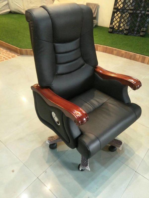 班椅-04